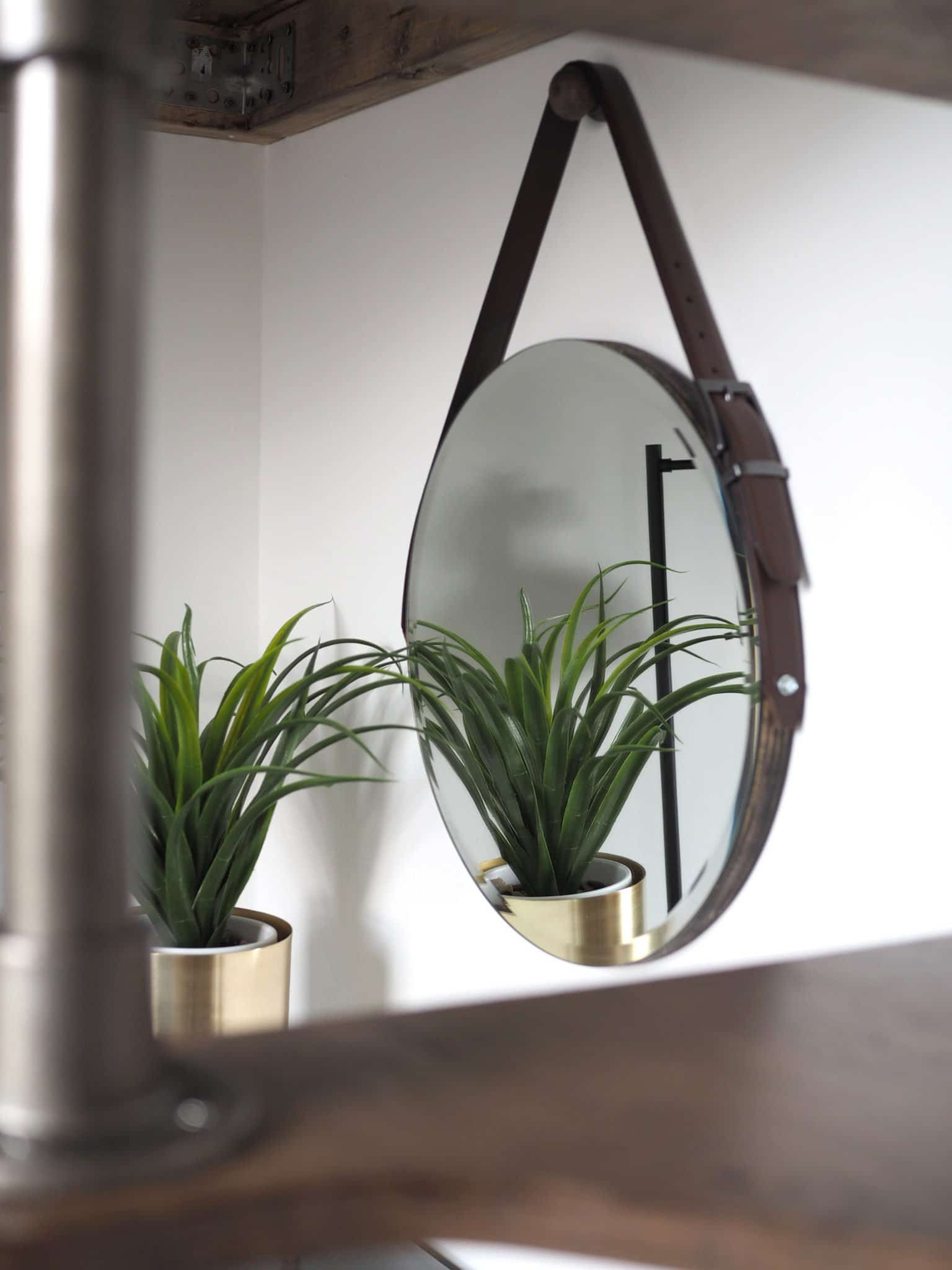 DIY ROUND MIRROR WITH STRAP AND HANGING PEG