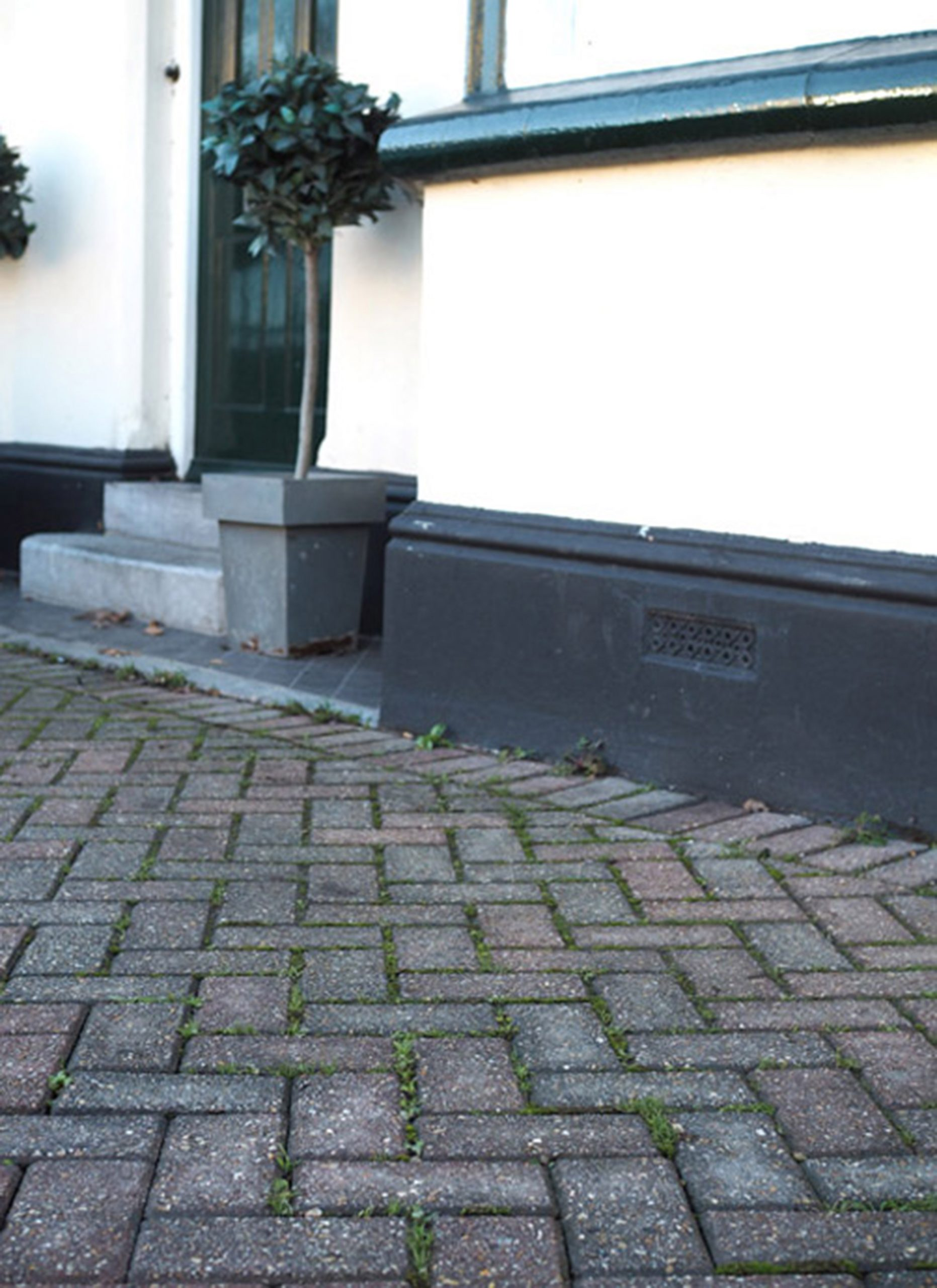 Restoring A Block Paved Driveway