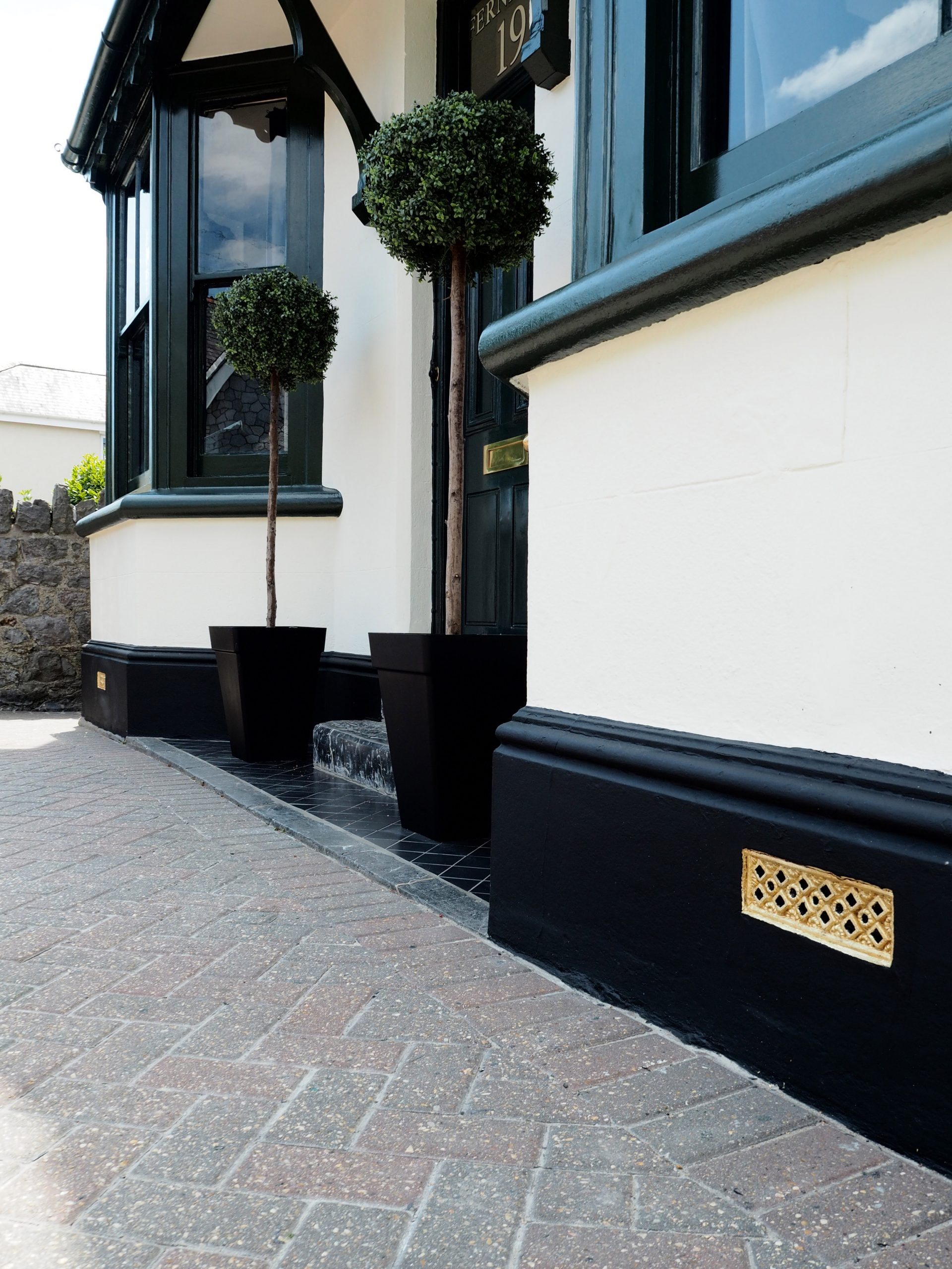 Kerb Appeal - 10 Ways to Improve the Appearance of Your HomeKerb Appeal - 10 Ways to Improve the Appearance of Your Home