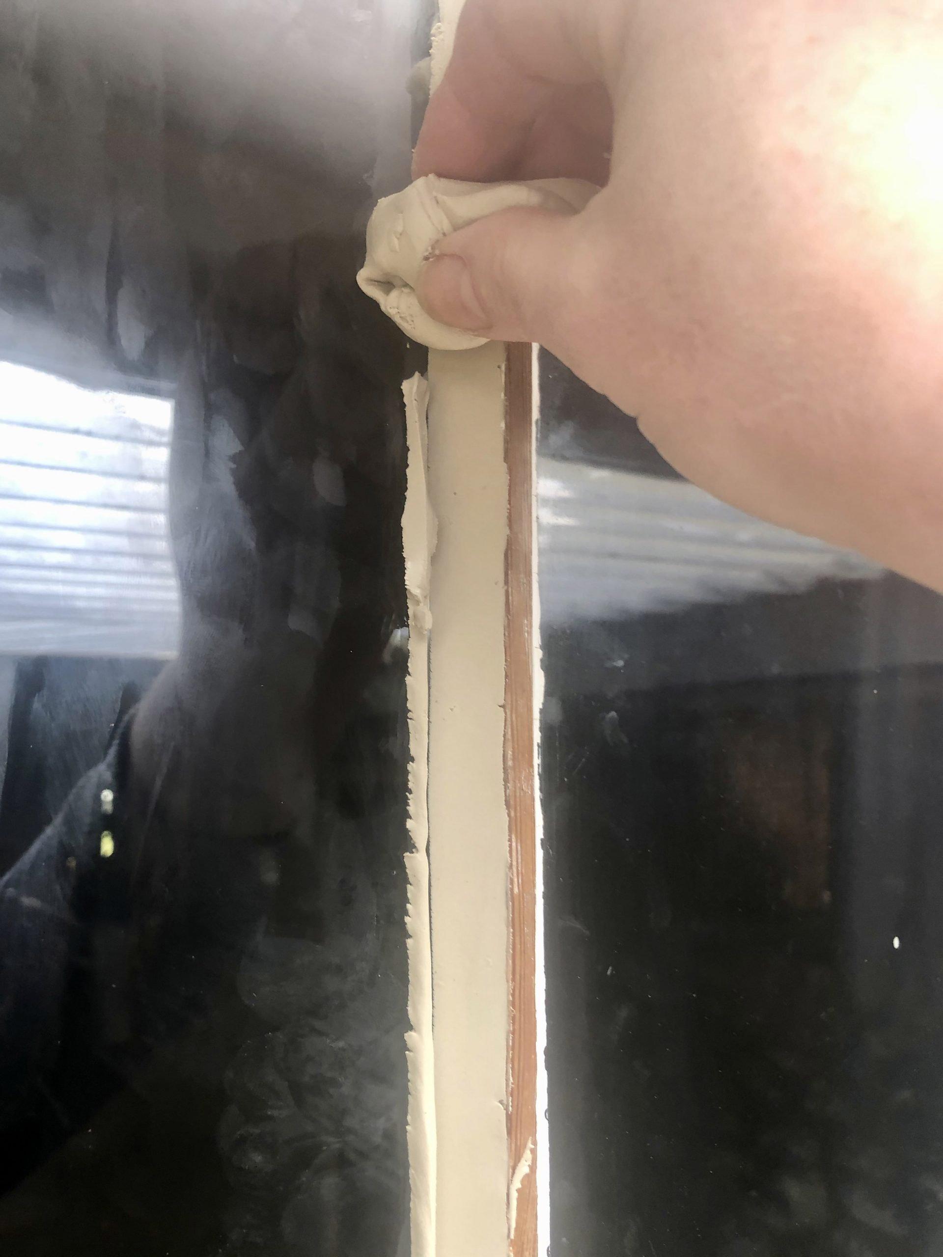 How To Reglaze A Sash Window